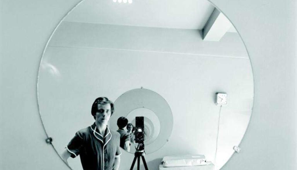 03_FVM_VM+Self+Portrait+Round+Mirror+Repeating+Image