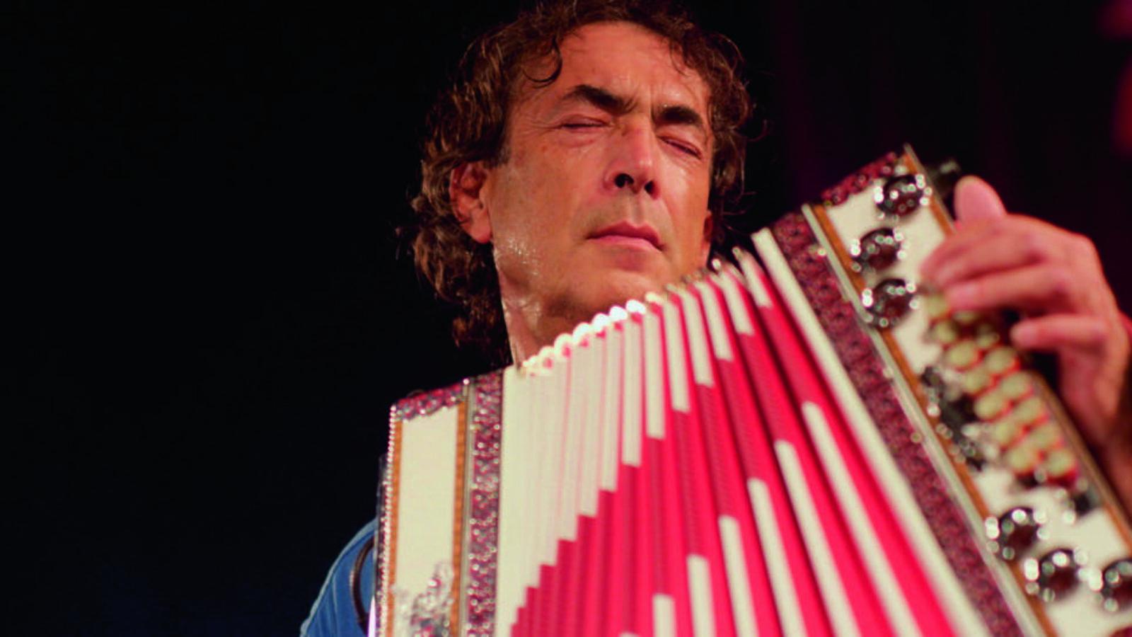 OXMOX CD-Tipp: Hubert von Goisern – Brenna tuat's schon lang
