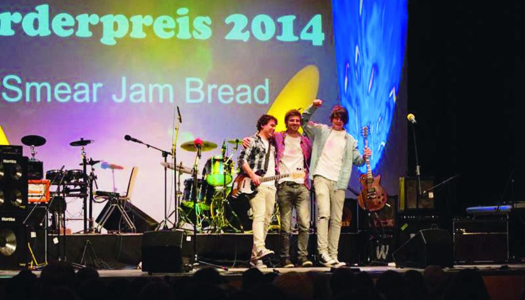 Smear Jam Bread