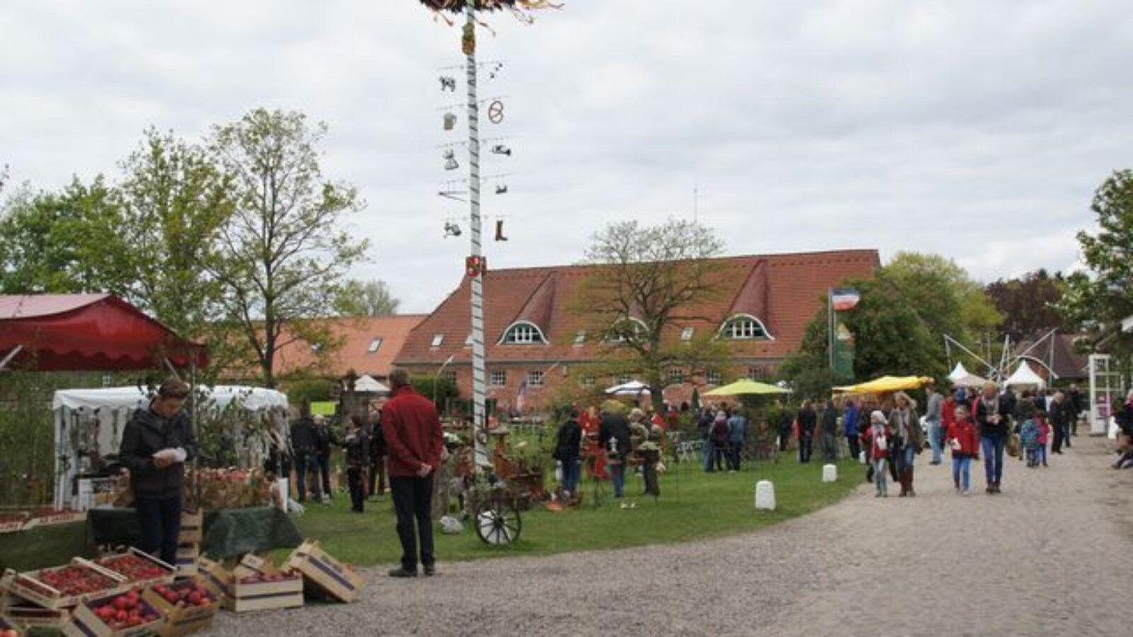 OXMOX präsentiert: Kunst, Garten & Antikes
