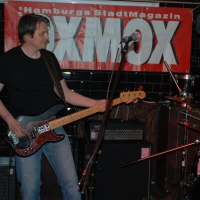 DSC 1478 400x400 - OXMOX PRESENTS: EXKL. FOTOS DER 32. HAMBURG-BANDCONTEST, VIERTELFINALE - Find Hutch! Melodic Punk aus Hamburg