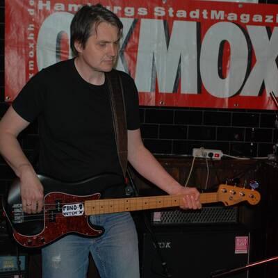 DSC 1487 400x400 - OXMOX PRESENTS: EXKL. FOTOS DER 32. HAMBURG-BANDCONTEST, VIERTELFINALE - Find Hutch! Melodic Punk aus Hamburg