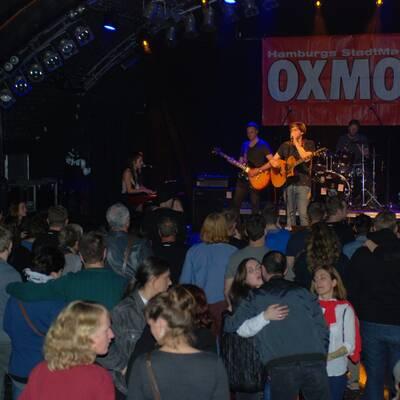 OXMOX Hamburg Bandcontest Finale 2017 Planet Pluto 12 400x400 - OXMOX PRESENTS: EXKL. FOTOS DES 32. HAMBURG-BANDCONTEST FINALES (12.10.17)