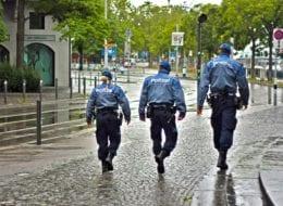 Polizist beim Drogenkauf erwischt
