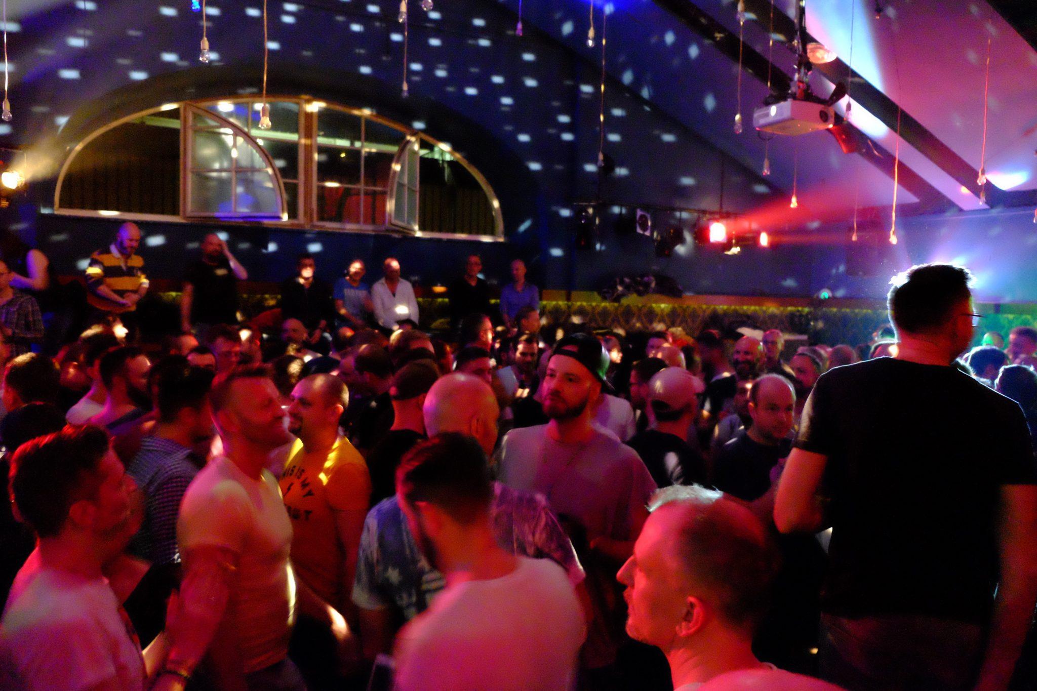 PARTY-SPECIALS ZUM GROSSEN PRIDE WOCHENENDE