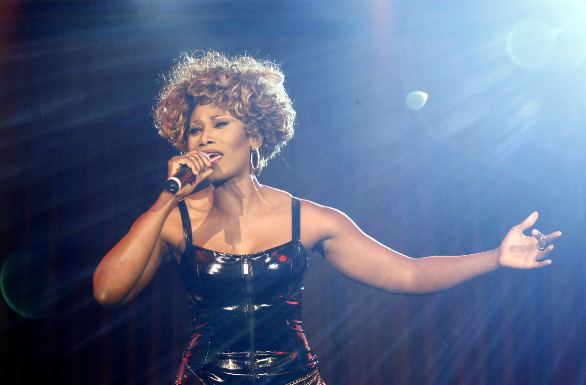 o 02 pressebild simply the best c davids darmerjpg 1567095662 scaled - OXMOX verlost Tickets: Simply The Best – Die Tina Turner Story (27.12.)
