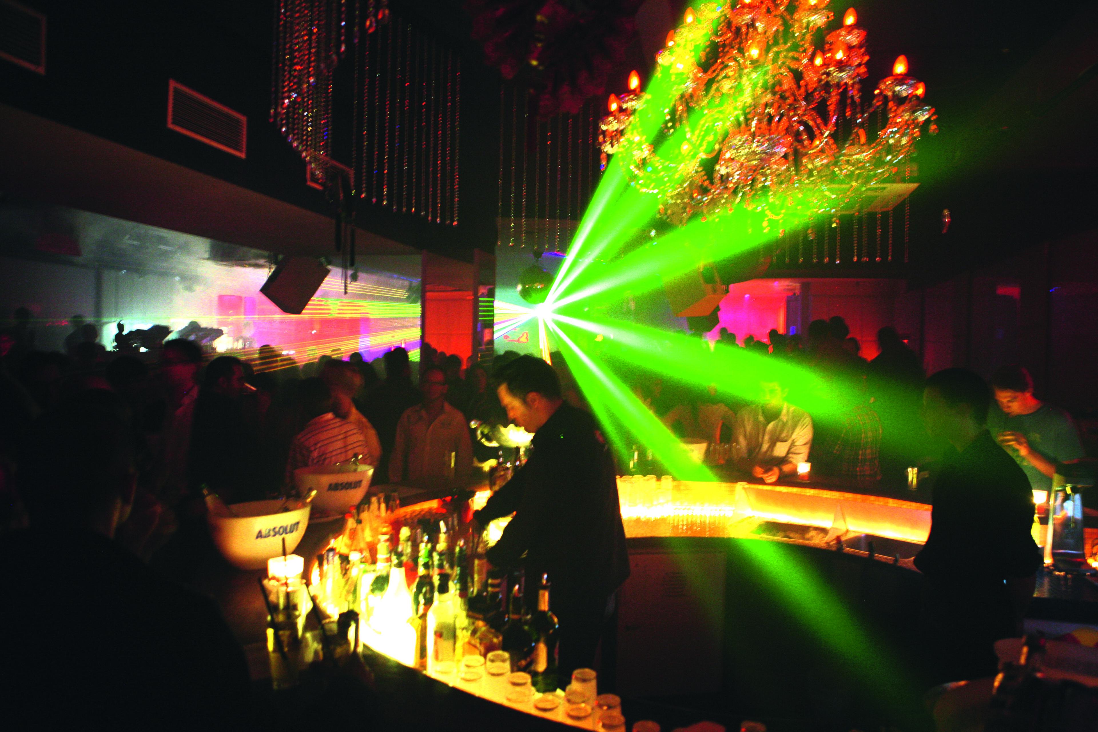 H1 scaled - OXMOX verlost Tickets: Die besten Silvester-Partys