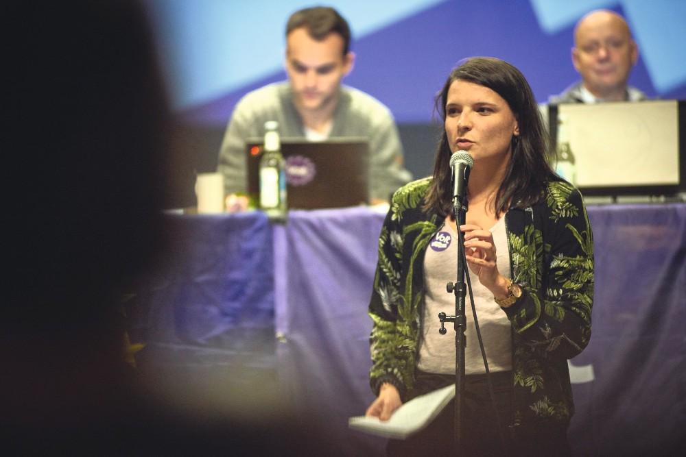 Volt Mira Alexandern am kleinsten - OXMOX Parteien-Check: Volt - Bürgerschaftswahl Hamburg 23. Februar
