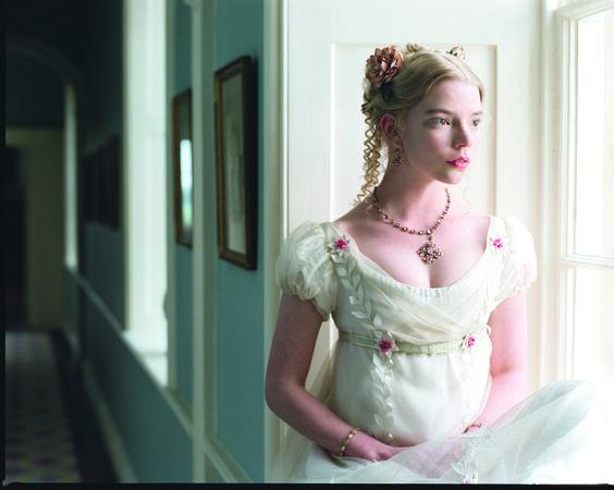 Emma 564x450 - TOP FILME im März