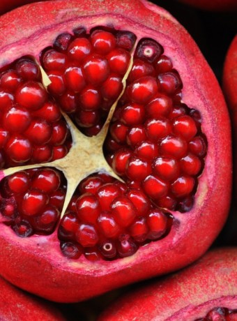 pomegranate-3383814_1920