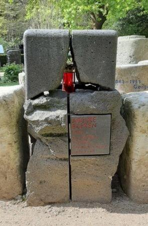 """stein1 - Hamburgs Historische """"Hexe"""""""