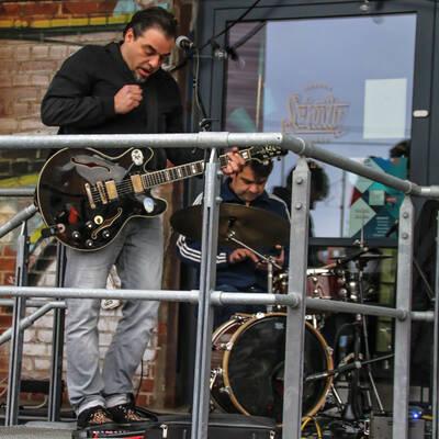 unbenannt 0012 400x400 - Livemusik im Autokino im Hamburger Oberhafen