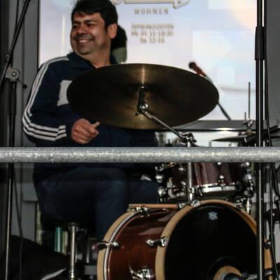 unbenannt 0032 400x400 - Livemusik im Autokino im Hamburger Oberhafen