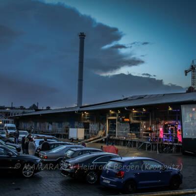 unbenannt 0069 1 400x400 - Livemusik im Autokino im Hamburger Oberhafen