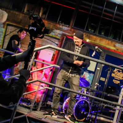 unbenannt 0080 400x400 - Livemusik im Autokino im Hamburger Oberhafen
