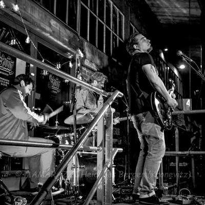 unbenannt 0146 400x400 - Livemusik im Autokino im Hamburger Oberhafen