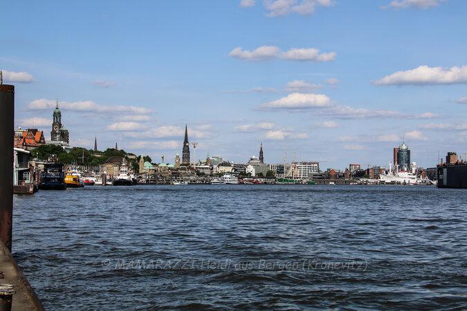 unbenannt 0193 675x450 - Der Hafen von Hamburg am Vatertag