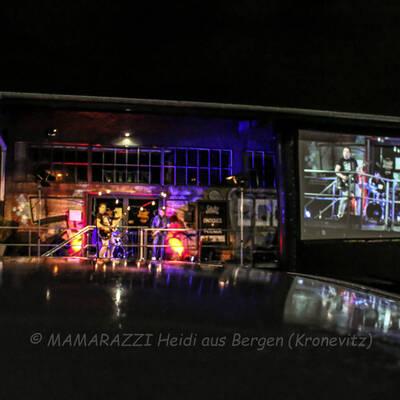 unbenannt 0203 400x400 - Livemusik im Autokino im Hamburger Oberhafen