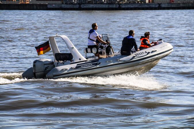 unbenannt 0214 675x450 - Der Hafen von Hamburg am Vatertag