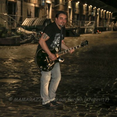 unbenannt 0253 400x400 - Livemusik im Autokino im Hamburger Oberhafen