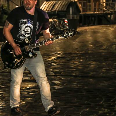 unbenannt 0254 400x400 - Livemusik im Autokino im Hamburger Oberhafen