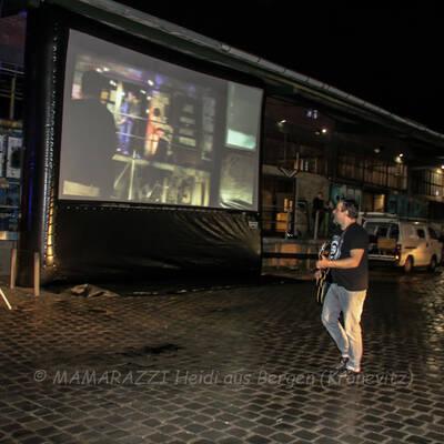 unbenannt 0255 400x400 - Livemusik im Autokino im Hamburger Oberhafen