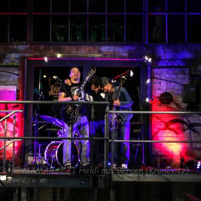 unbenannt 0257 400x400 - Livemusik im Autokino im Hamburger Oberhafen