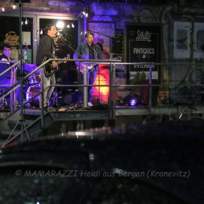 unbenannt 0279 400x400 - Livemusik im Autokino im Hamburger Oberhafen