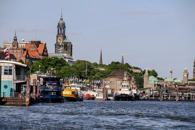 unbenannt 0304 675x450 - Der Hafen von Hamburg am Vatertag