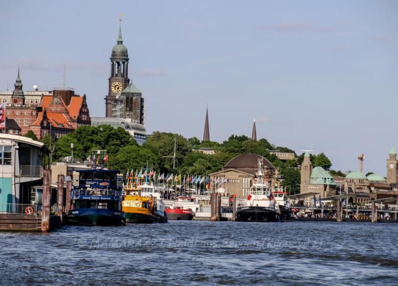 Der Hafen von Hamburg am Vatertag