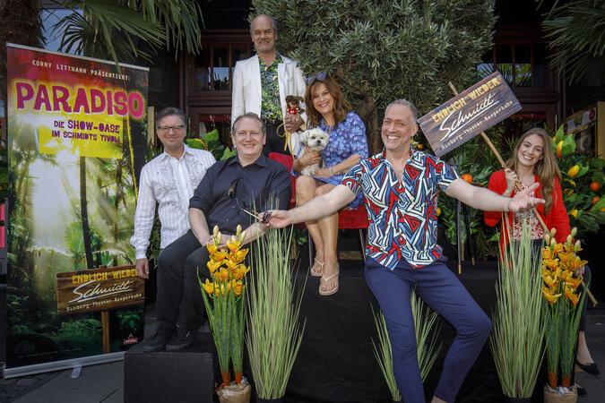 Paradiso Team c MorrisMacMatzen 675x450 - Theater Tipps: Die besten Stücke im Juli!