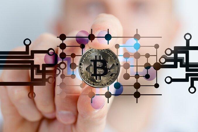 Bitcoin 677x450 - UNI-EXTRA: Bitcoin - Geldmaschine oder Abzocke?