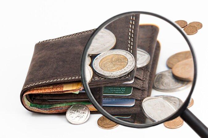 wallet 2292428 1920 675x450 - UNI-EXTRA: Bitcoin - Geldmaschine oder Abzocke?