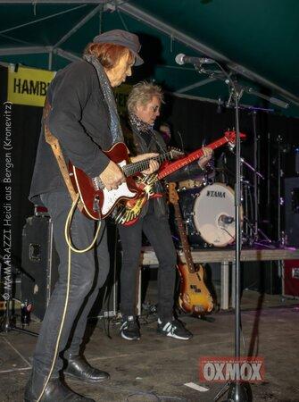 unbenannt 0081 335x450 - Hamburger Musik Week- Oxmox-Susi Salm-Rudolf Rock und Käptn Kaos