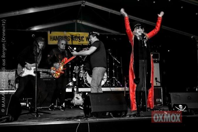 unbenannt 0087 675x450 - Hamburger Musik Week- Oxmox-Susi Salm-Rudolf Rock und Käptn Kaos