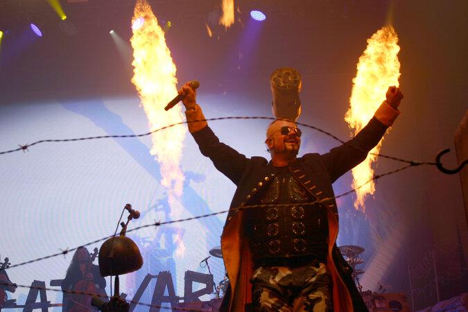 Sabaton 675x450 - Leser-Poll 2020: Album, Stream-Konzert, Serie