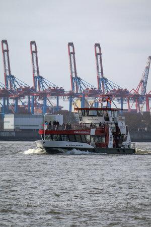 unbenannt 0013 300x450 - Der Hamburger Hafen im CORONA-Frühling