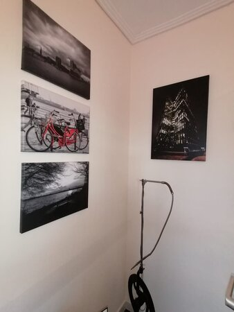 IMG 20210415 WA0009 338x450 - Mamarazzi: Kunstausstellung in Arzt-Praxis
