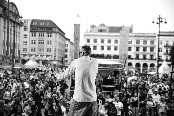 Yannick D. Die Feta 675x450 - OXMOX presents: Das HAMMER FEST