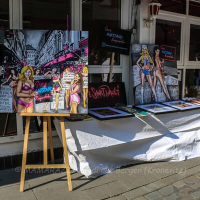 unbenannt 0009 400x400 - Sexy Aufstand in der Herbertstrasse