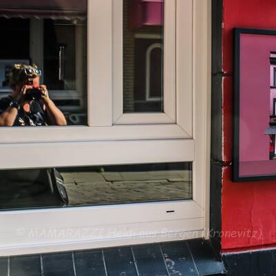 unbenannt 0032 400x400 - Sexy Aufstand in der Herbertstrasse