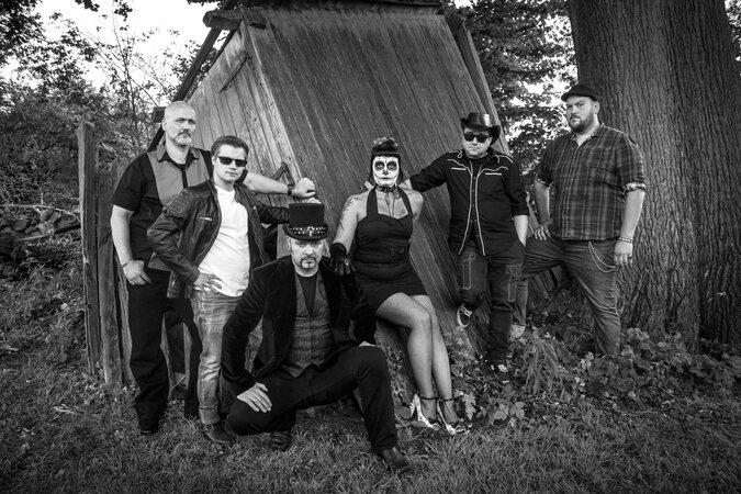 Immersed in Black 675x450 - 36. HAMBURG-BANDCONTEST  Top 10: Beste neue Bands